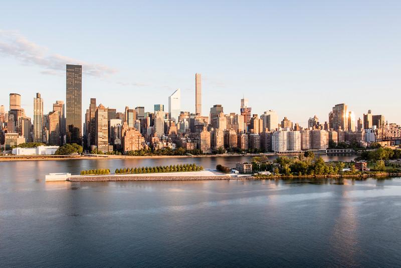 NEW YORK CITY. MANHATTAN SKYLINE DURING SUNRISE.