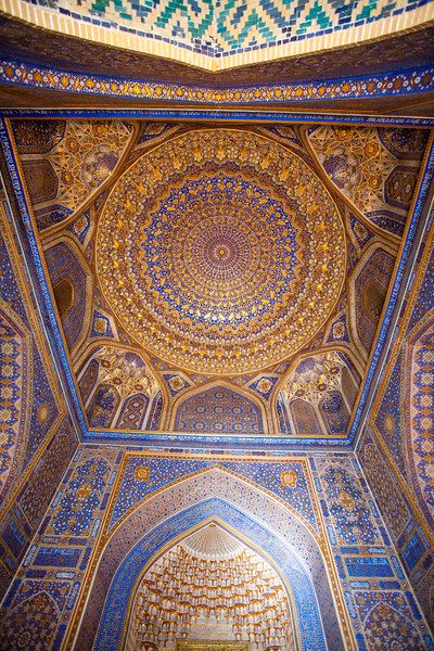 SAMARKAND. REGISTAN. INTERIOR OF THE MOSQUE INSIDE THE TILLA-KARI (GOLD COVERED) MEDRESSA. [11]