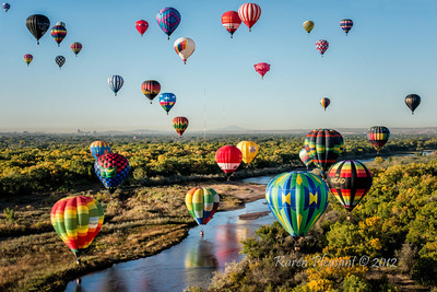 Balloons above the Rio Grande