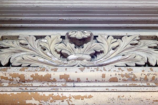 Aiken-Rhett house - doorway cornice