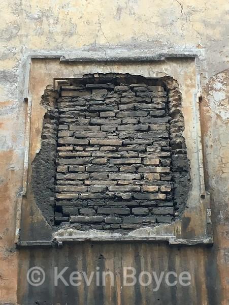 Colonna Wall