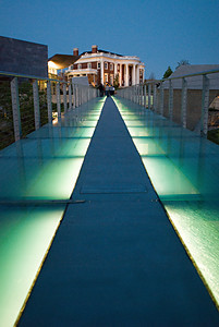 Illuminated walkway, Chatanooga