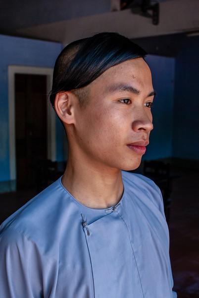 Hué - by JeeWee -  Monk Sa in Linh Mu Pagoda - 13-05-09