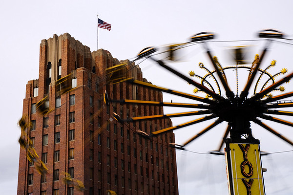 The YOYO and the Art Deco Larson Building - Downtown Yakima