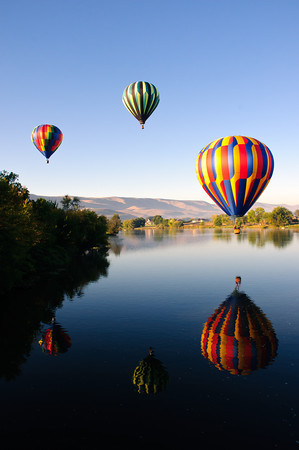 Balloons over the Yakima River