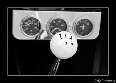 A classic stickshift & gauges