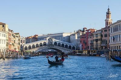 Vue sur le Ponte Di Rialto. Venise, 2015.