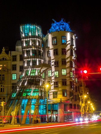 Dancing House (Frank Gehry), Prague