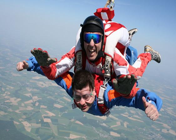 Saut en parachute au dessus de Cefontaine et des lacs de l'eau d'heure