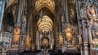 Magnificent St. Stephen's Cathedral, Downtown Vienna