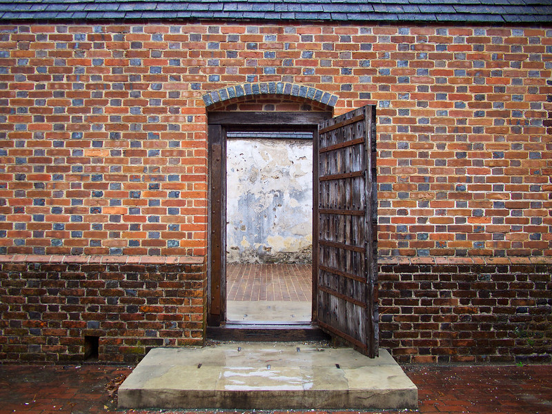 Brick Wall with Entry Colonial Williamsburg - Williamsburg Virginia & Virginia - atmtx