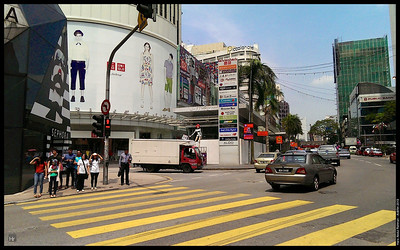 Heading to Fahrenheit  Aidilfitri 2013 Bukit Bintang