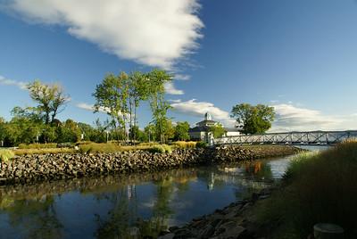 Along River (Harbors & Park)