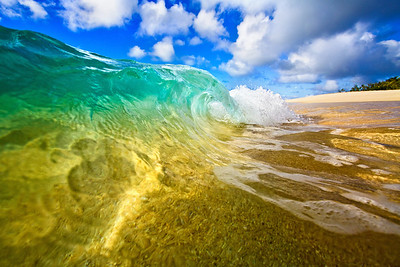 Liquid Gold is the only true way to describe the such a smooth texture to this wave.