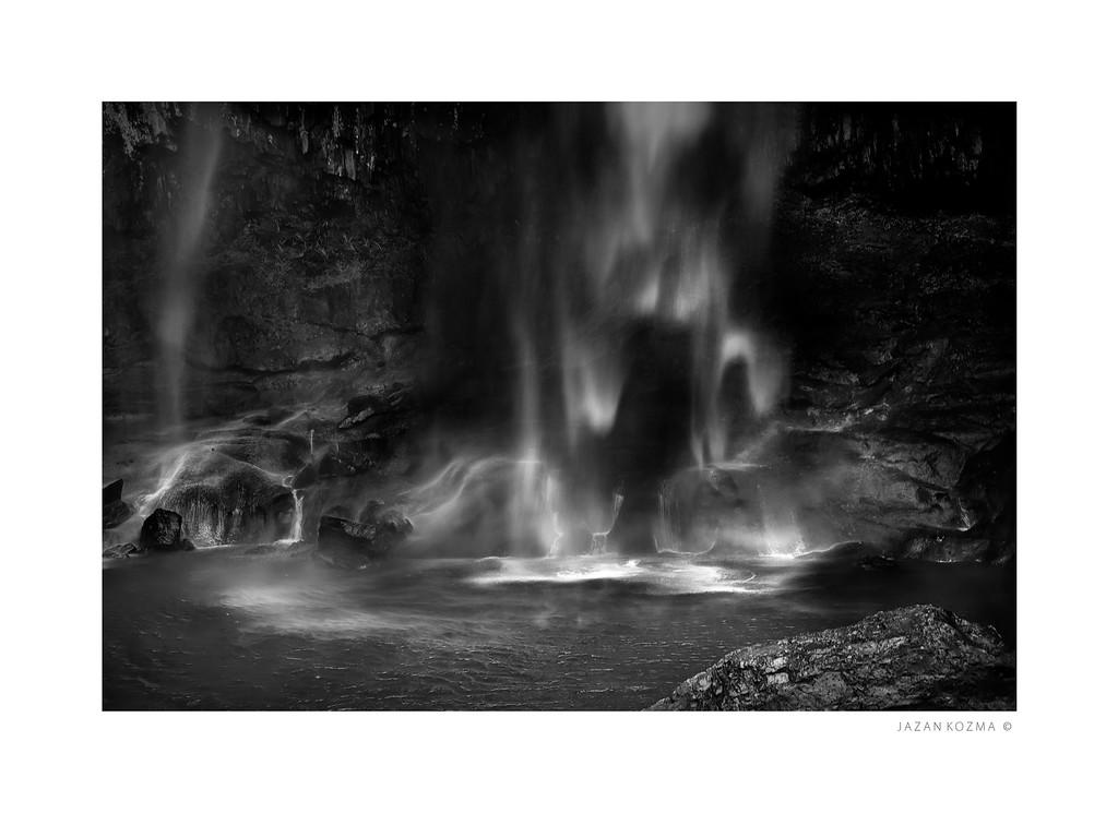 Minyon Falls Base