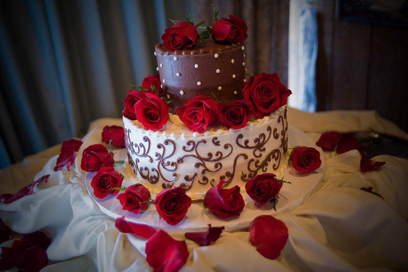 Bride's wedding cake