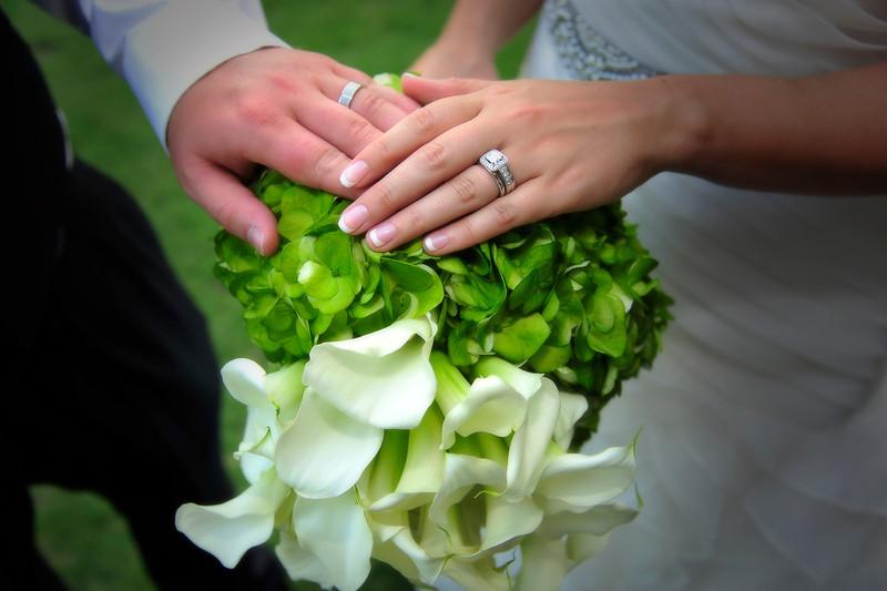 Rings & Bridal Bouquet