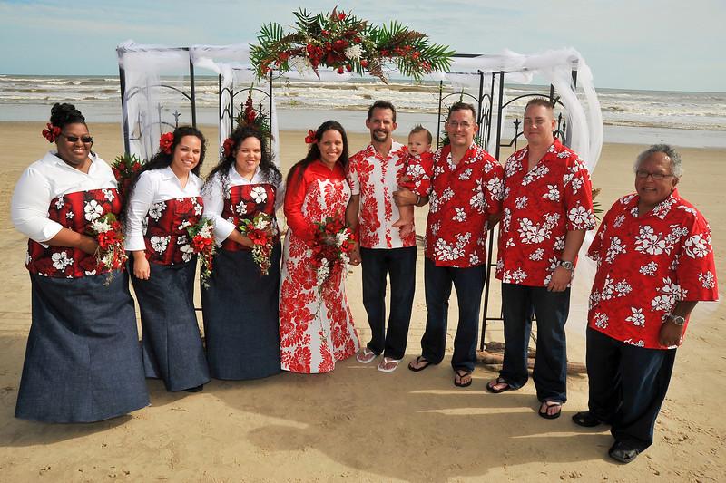 Bride & Groom with bridesmaids and groomsmen