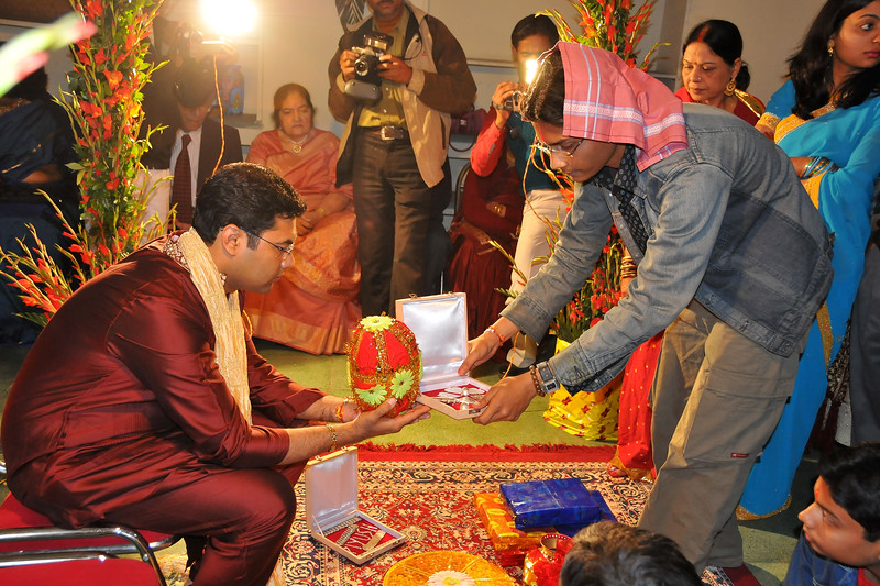 Morning ceremonies in the wedding of Nimisha & Piyush Seth at Patna. Feb, 2008.