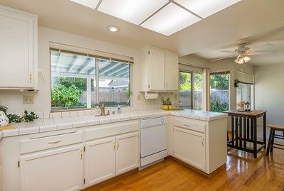 DSC_2116_kitchen