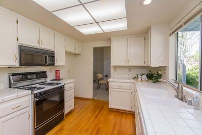 DSC_2115_kitchen
