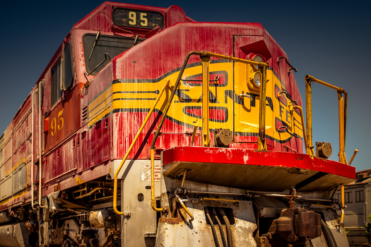 Locomotive #95, in Warbonnet red.