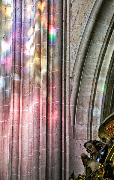 Segovia Cathedral, stained glass reflections