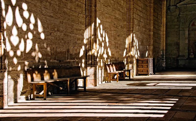 Segovia cathedral shadows