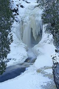 Cascade Falls Dec 2007