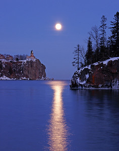 Moonrise at Split Rock