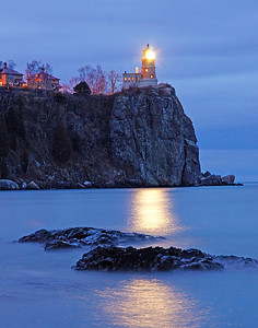 November 10 Memorial Lighting of Split Rock