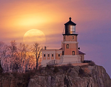 December Moonrise Split Rock Light 001
