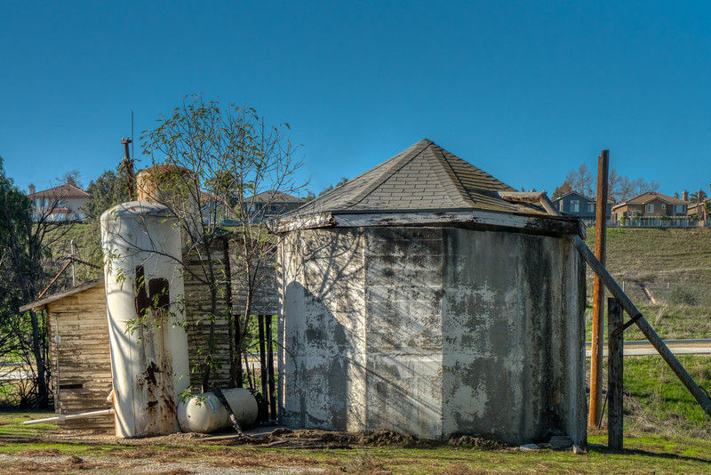 Outbuilding and water tank of undetermined date at the Yorba-Slaughter Adobe