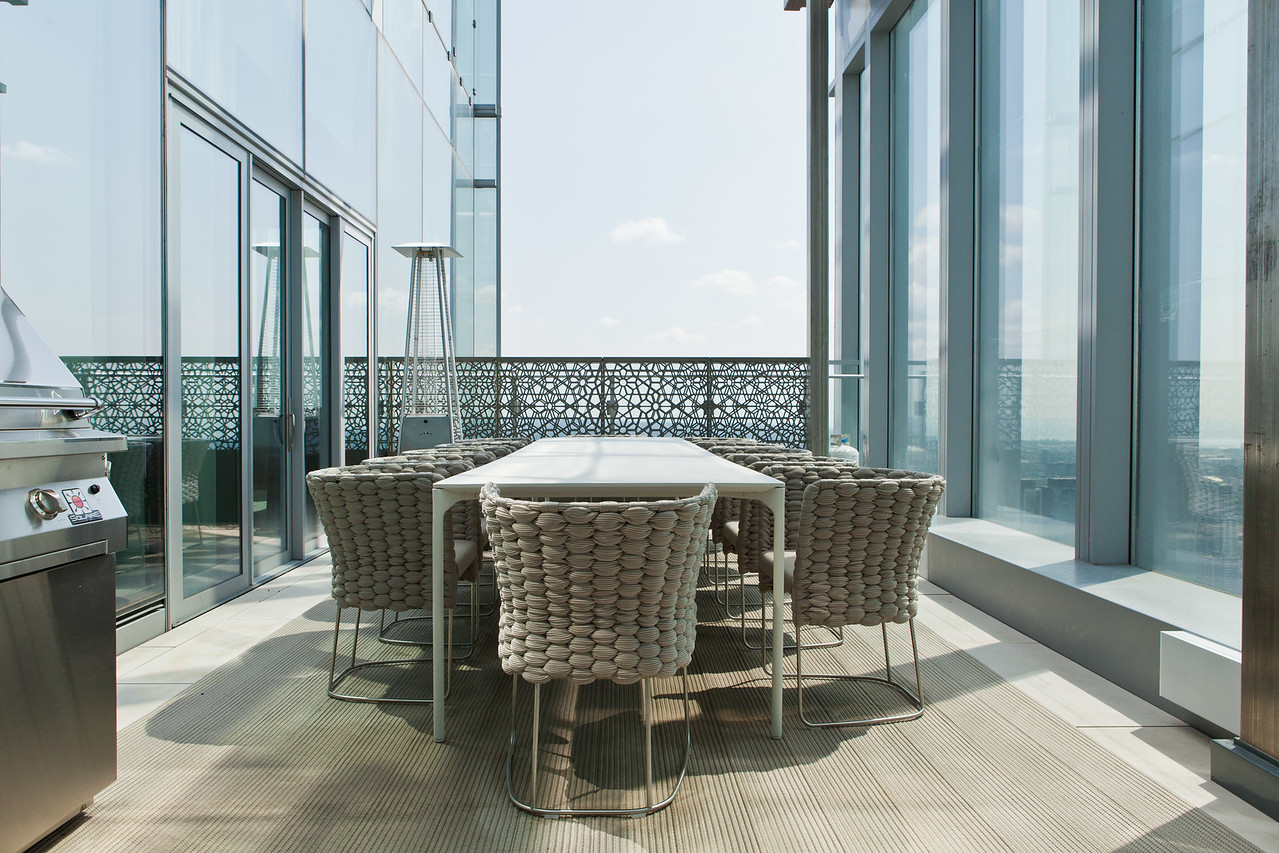 54th Floor Condo (Design Bill Mockler, Drawing Room Architect Inc.)