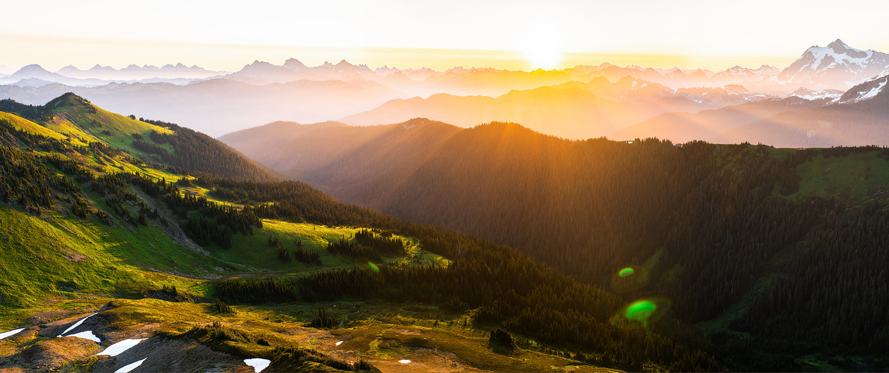 Sunrise in the Northern Cascades