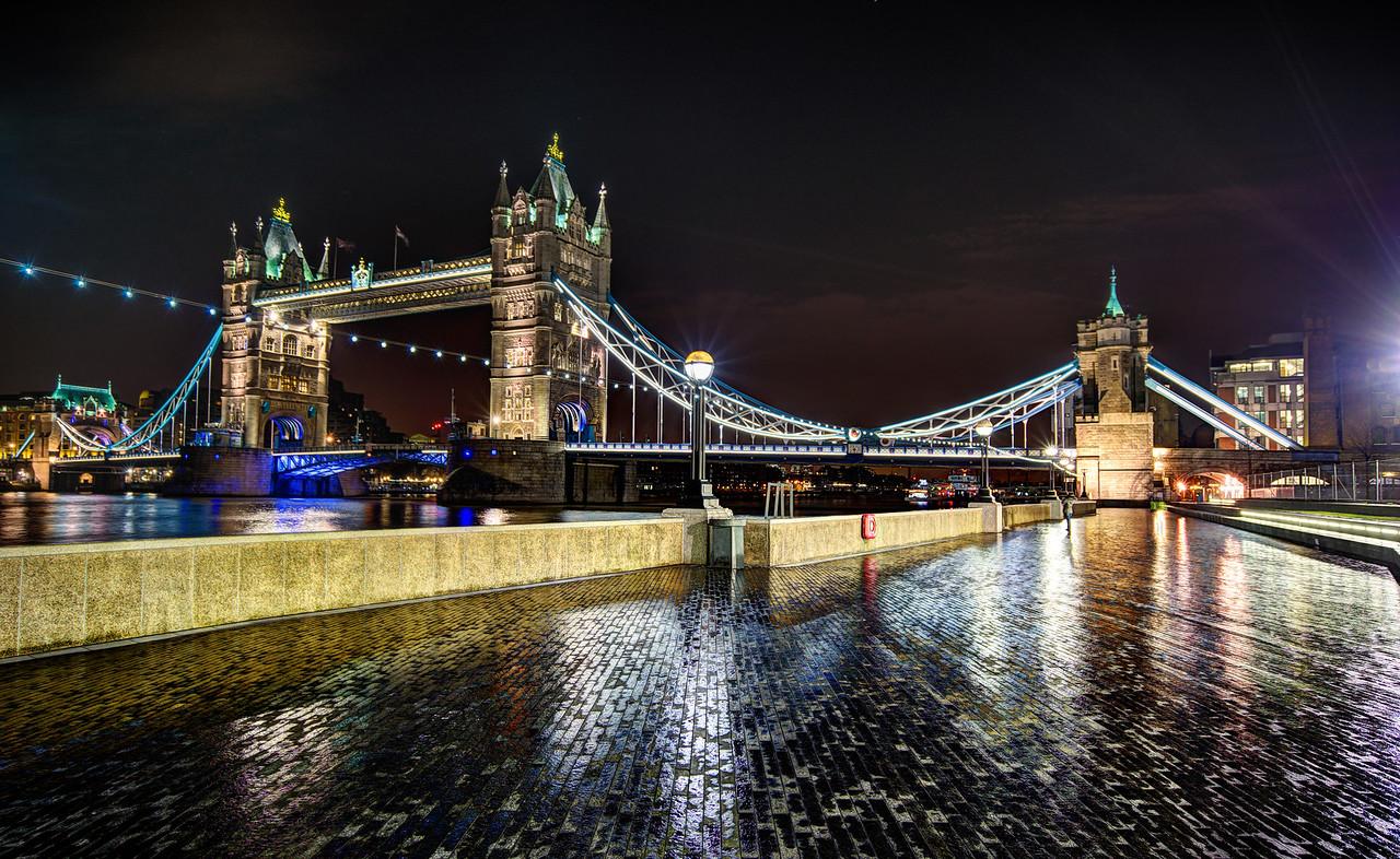 London In The Rain, Stumbling Around At Night