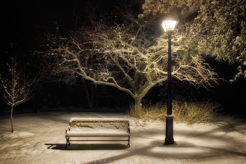 Lamp Post and Bench (#092-1)