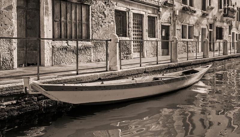 Italia-2020_Venice Boat
