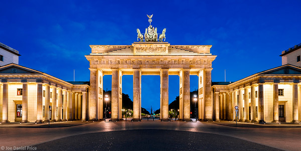 Blue Hour, The Brandenburg Gate (Brandenburger Tor), Berlin, Germany