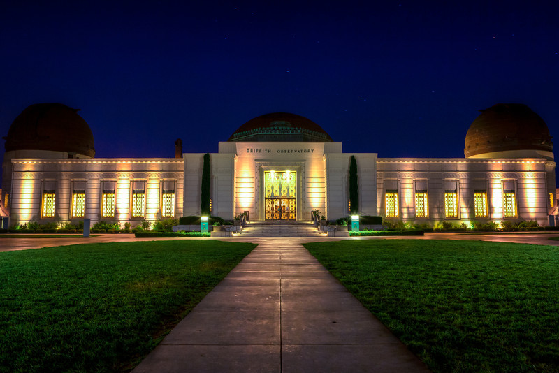 "<h1>Griffith Observatory</h1> <p>The front of the Griffith Observatory in Los Angeles at night.<p>  <p>Read more about this at <a href=""http://alikgriffin.com/blog/aug/09/griffith-observatory-los-angeles"">AlikGriffin.com</a></p>"
