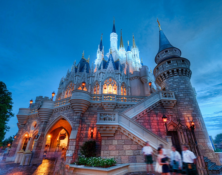 """<h2>The Mighty Castle</h2> <br/>The beautiful castle shifts and changes its color every few minutes.  The way the light cycles and changes on it is mysterious ... <br/><br/>- Trey Ratcliff <br/><br/>Read the rest of this entry <a href=""""http://www.stuckincustoms.com/2010/06/24/the-mighty-castle/"""">here.</a>"""