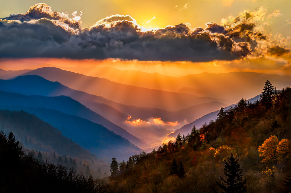 Oconaluftee Overlook Sunrise