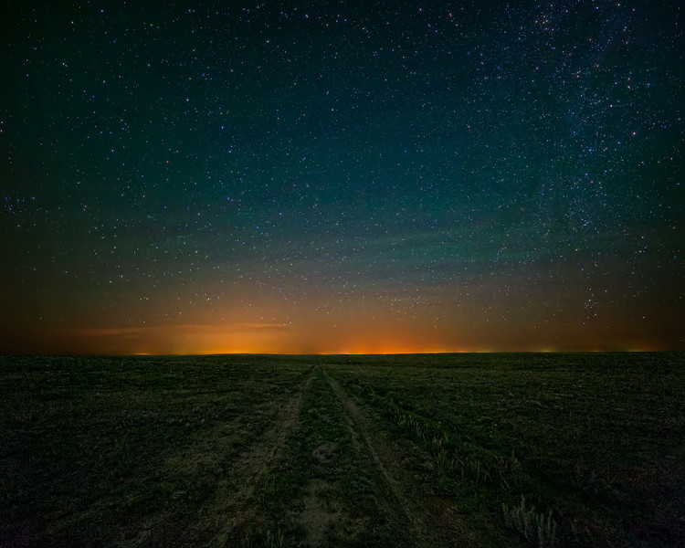 Luminescent Night Sky on the Pawnee