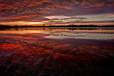 Sonnenuntergang wie ein Backdraft, Rheinauen - Deutschland Sunset like a Backdraft, Rheinauen - Germany - mehr dazu im Blog: Magische (Licht)Momente