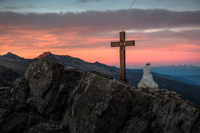 Sunrise on the summit of Monte Castellazzo