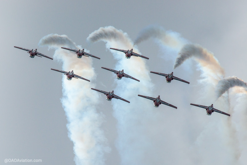 Snowbirds inverted smoke on Borden Air Show