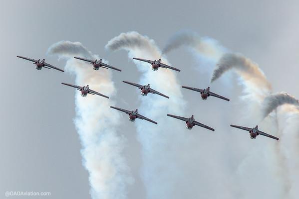 Snowbirds inverted smoke on Borden Air Show