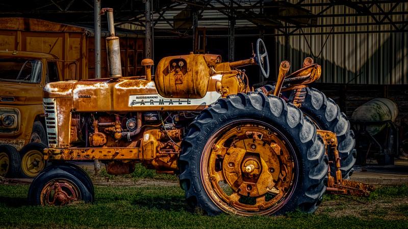 IH_McCormick_Farmall_Tractor