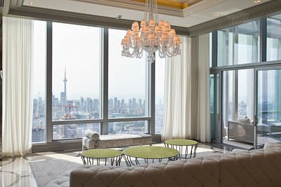54th Floor Condo (Design Bill Mockler, Drawing Room Architect Inc.)