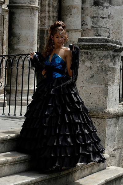 Fashion Model in Plaza de la Catedral